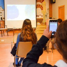 Taller de comunicación Paloma Silla Destáca-te proyecto Instachange