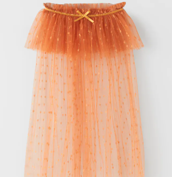 Capa tul naranja Zara Halloween 2020