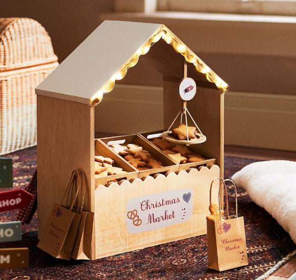 Mercado navideño. Juguete de madera de Zara Home. Regalos Navidad y Reyes