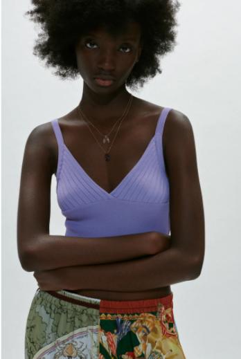 Zara-tendencias-primavera-2021-Paloma-Silla-Destaca-te